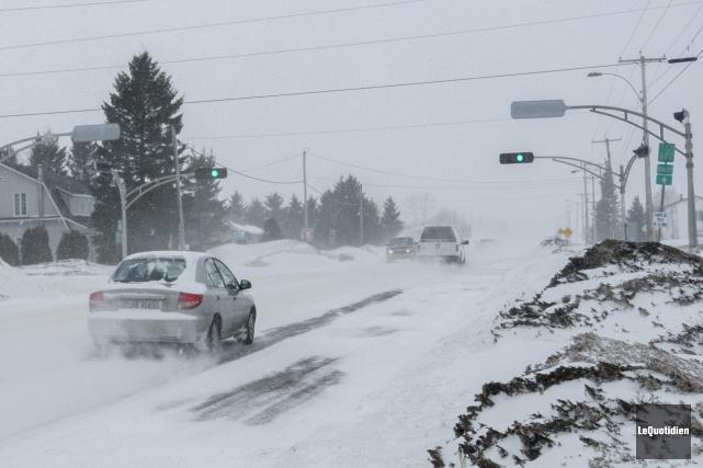 La circulation était heureusement réduite en matinée sur... ((Photo Le Quotidien, Michel Tremblay))
