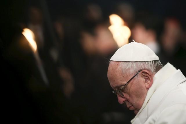 Le pape François a dénoncé vendredi «la conscience insensible et anesthésiée»... (Photo Reuters)