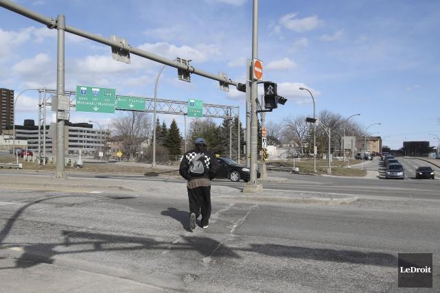 L'option d'ériger un pont piétonnier doit être étudiée... (Patrick Woodbury, LeDroit)