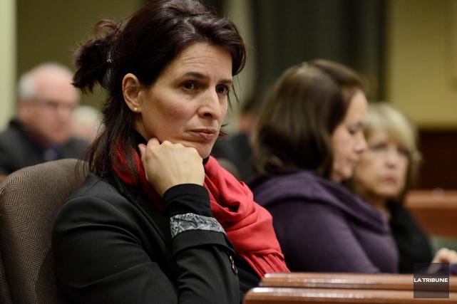 La conseillère Annie Godbout est irritée de n'avoir... (Archives La Tribune, Frédéric Côté)