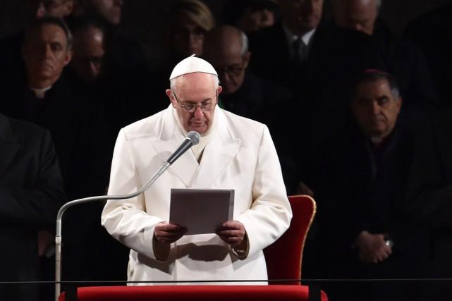 Le pape Françoisa une fois de plus condamné... (AFP, Tiziana Fabi)