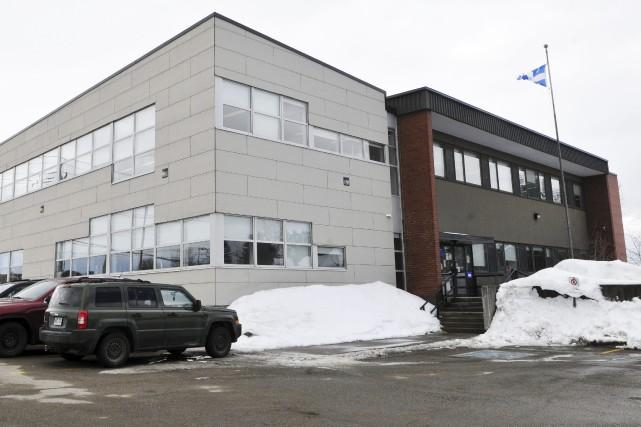 L'actuel bâtiment de Revenu Québec, sur la rue... (Photo Le Progrès-Dimanche, Rocket Lavoie)