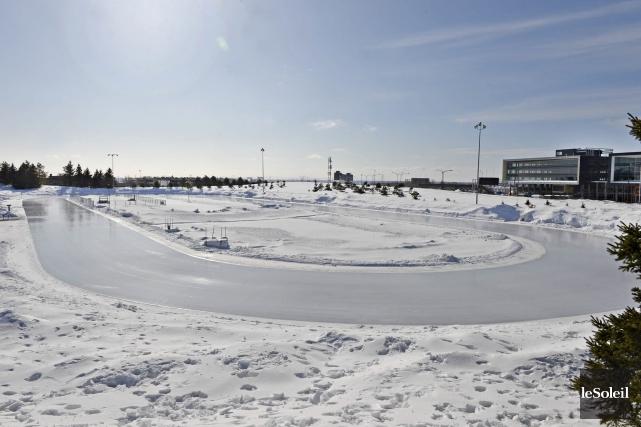 L'emplacement préconisé pour le nouveau centre de glace... (Photothèque Le Soleil, Pascal Ratthé)