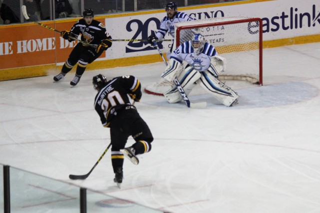Les Screaming Eagles l'ont emporté 5-2 contre les... (Photo collaboration spéciale, Gino Roberge)