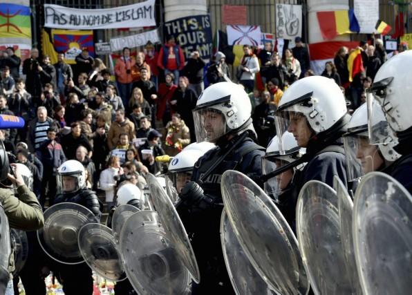 Des émeutes ont éclaté à la Place de... (Patrik Stollarz, AFP)
