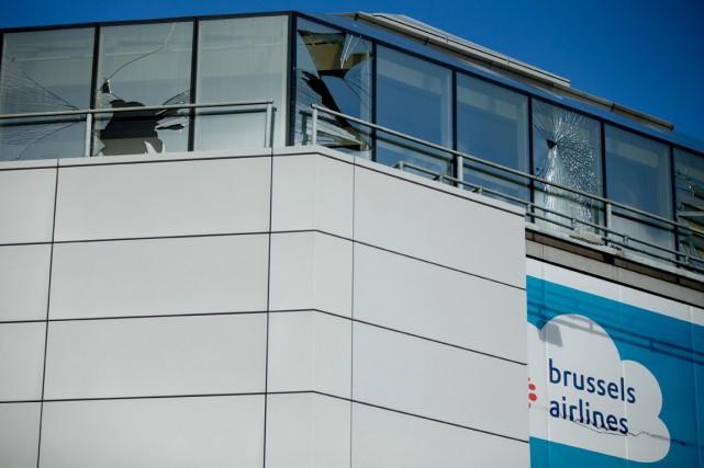 L'aéroport de Bruxelles a annoncé qu'il allait effectuer des tests mardi pour... (Photo AP)