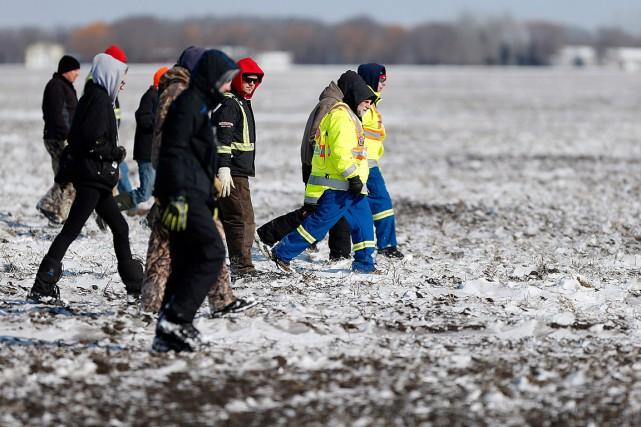 Bénévoles et secouristes ont cherché longtemps le petit... (Photo John Woods, PC)