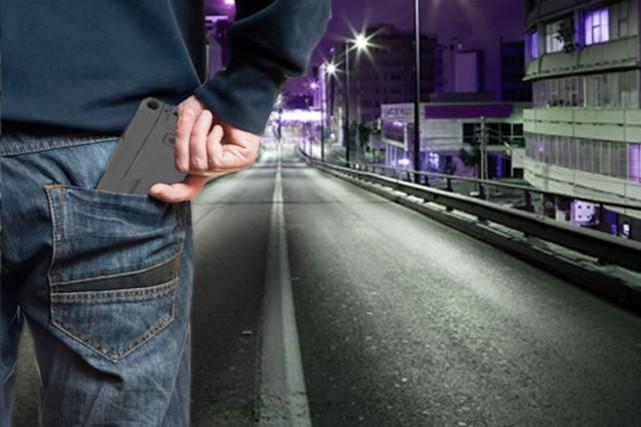 «Les téléphones intelligents étant partout, votre nouveau pistolet... (PHOTO IDEALCONCEAL.COM)