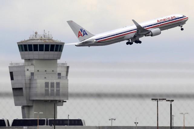 L'aéroport international de Miami, en Floride, a été évacué, lundi, en fin... (ARCHIVES AP)
