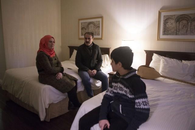 Une famille de réfugiés syriens logés dans un... (Photo archives La Presse Canadienne)