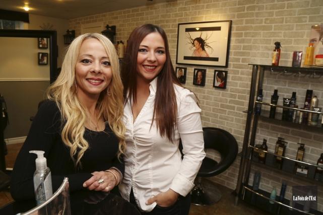 Chantal Piette et sa fille Erika Daigle, les... (Janick Marois, La Voix de l'Est)