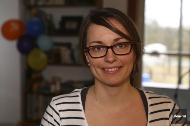 Esther Laframboise souhaite que le financement stable se... (Janick Marois, La Voix de l'Est)