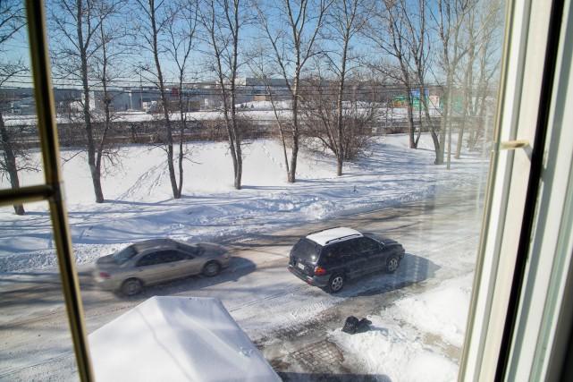 Vue depuis la fenêtre de l'étage de la... (PHOTO ALAIN ROBERGE, LA PRESSE)