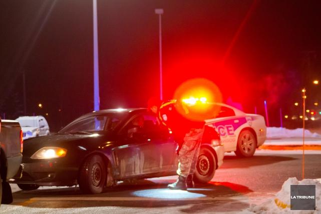 Deux individus de Sherbrooke devront faire face à la justice après le vol d'un... (Archives La Tribune)
