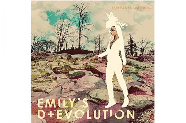 Des enregistrements signés Esperanza Spalding, on a souvent conclu à un...