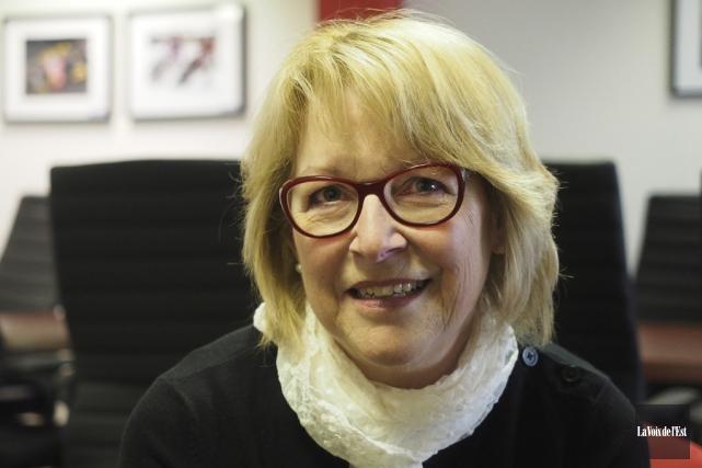 L'auteure granbyenne Carmen Belzile... (Alain Dion, La Voix de l'Est)