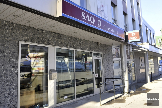 La Société des alcools du Québec (SAQ) a vu ses profits et revenus croître... (Archives Le Quotidien, Rocket Lavoie)
