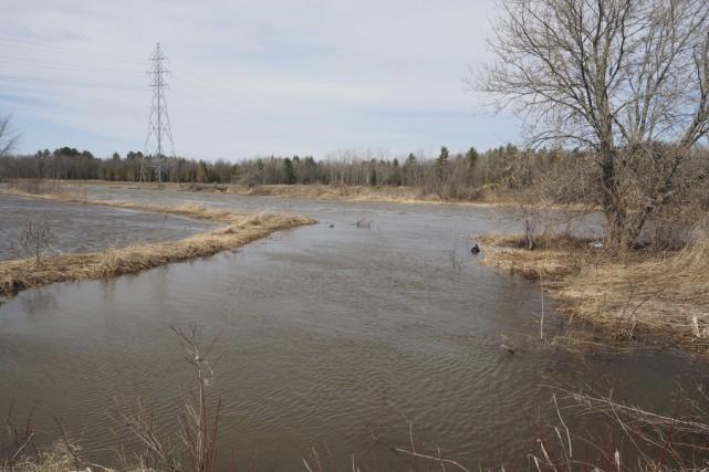 La municipalité de Brigham surveille de près le niveau de la rivière Yamaska. (photo Alain Dion)