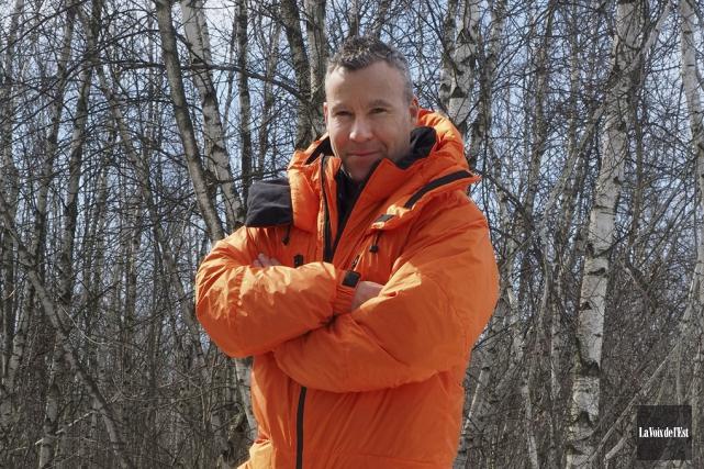 L'alpiniste Jean-François Tardif portera une combinaison élaborée à... (Alain Dion, La Voix de l'Est)