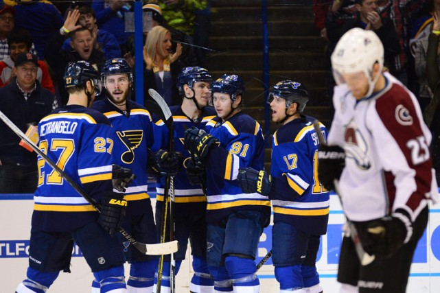 Troy Brouwer a brisé l'impasse en milieu de rencontre et les Blues de St. Louis... (PHOTO REUTERS)