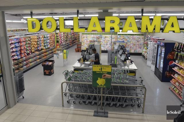 Les clients de Dollarama pourront bientôt payer leurs emplettes à l'aide d'une... (Photothèque Le Soleil)
