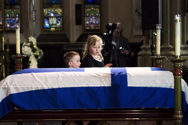 Dougie et Stephanie, les enfants de l'ex-maire de... (PHOTO NATHAN DENETTE, LA PRESSE CANADIENNE)