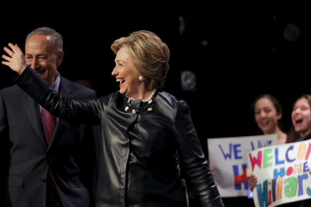 Hillary Clinton s'est rendue mercredi à l'Apollo Theater, lieu... (PHOTO AFP)