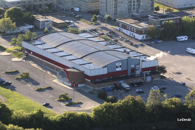 L'actuel centre Robert-Guertin... (Patrick Woodbury, Archives LeDroit)