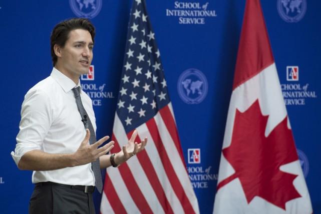 Justin Trudeau a rencontré des étudiants de l'Université... (PHOTO PC)