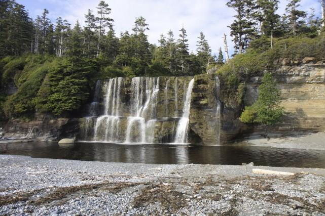 Les chutes Tsusiat font partie des paysages majestueux... (PHOTO THINKSTOCK)