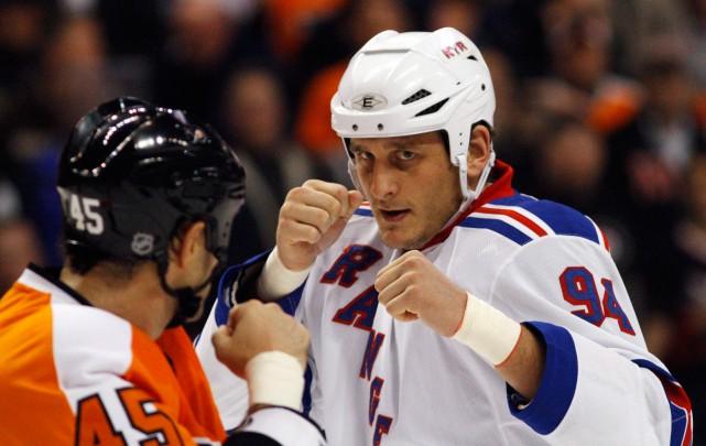 Le hockeyeur Derek Boogaard est mort en mai... (PHOTO MATT SLOCUM, ARCHIVES ASSOCIATED PRESS)