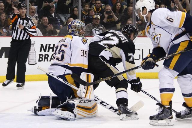 Phil Kessel a marqué deux buts et les Penguins de Pittsburgh ont fait un pas de... (Photo Gene J. Puskar, AP)