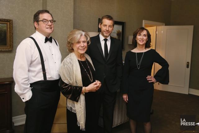 Paul Doucet, Denise Filiatrault, Gabriel Sabourin et Geneviève... (PHOTO MARTIN CHAMBERLAND, LA PRESSE)
