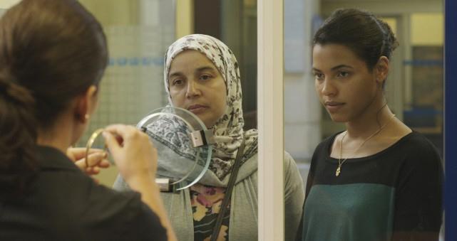 Nesrine (Zita Hanrot), l'aînée de Fatima (Soria Zeroual),... (FilmOption International)