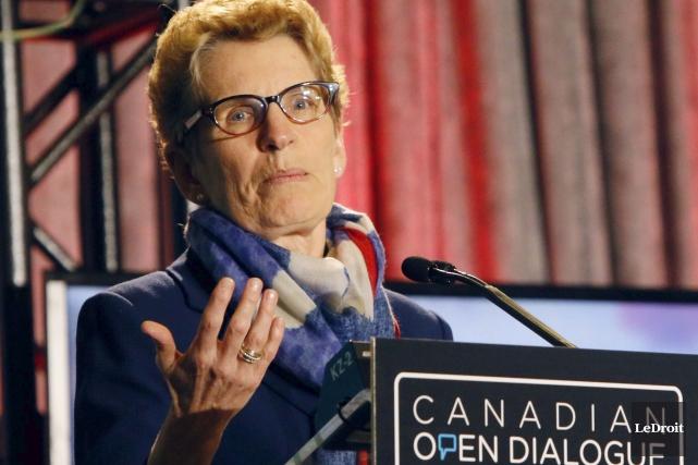 La première ministre Kathleen Wynne a été bombardée... (Simon Séguin-Bertrand, LeDroit)