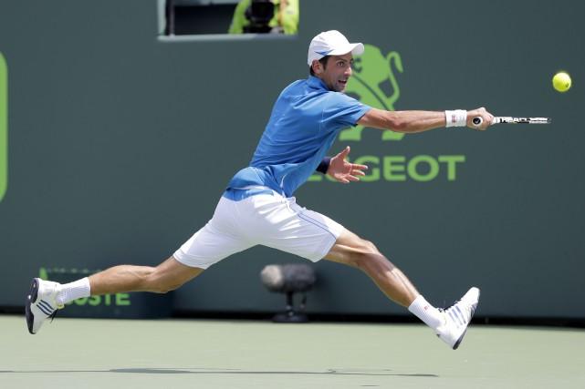 Novak Djokovic se rapproche d'un sixième titre à... (AP, Alan Diaz)