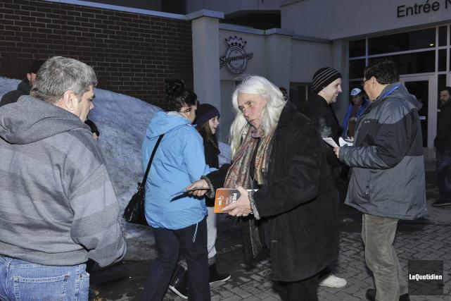 Le candidat de Québec solidaire Pierre Dostie était... (Photo Le Quotidien, Rocket Lavoie)