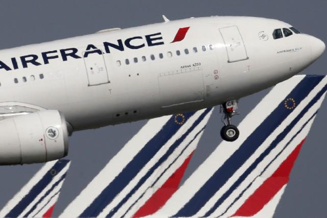 Air France a annoncé en décembre la réouverture... (PHOTO CHRISTIAN HARTMANN, ARCHIVES REUTERS)