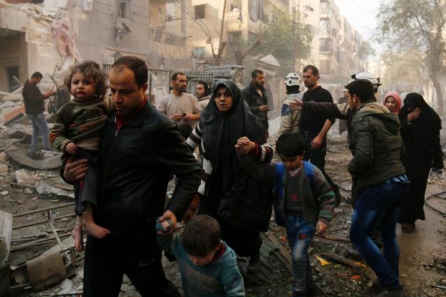 Les combats de samedi étaient les plus importants... (PhotoARAM AL-MASRI, Agence France-Presse)