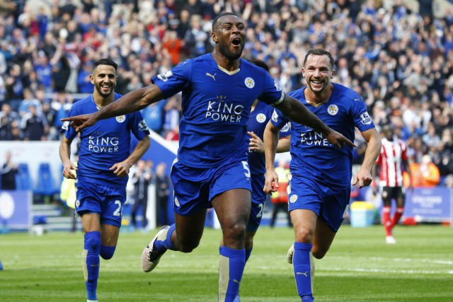 Wes Morgan (5) a permis à Leicester de prendre une... (PHOTO DARREN STAPLES, REUTERS)