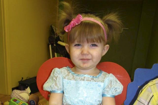 La petite Marylie Labarre, sauvée in extremis de la noyade vendredi à... (Facebook)