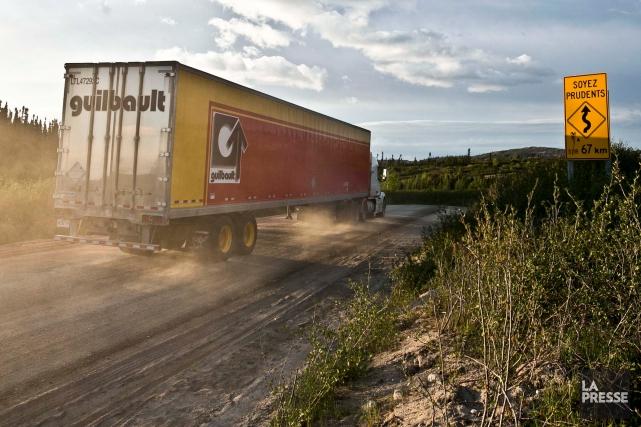 La route389, longue d'environ 570kilomètres entre Baie-Comeau et... (PHOTO HUGO-SÉBASTIEN AUBERT, ARCHIVES LA PRESSE)