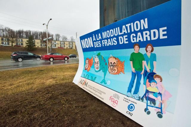 Des pancartes ont été installées par l'Alliance des intervenantes en milieu... (Spectre Média, Jessica Garneau)