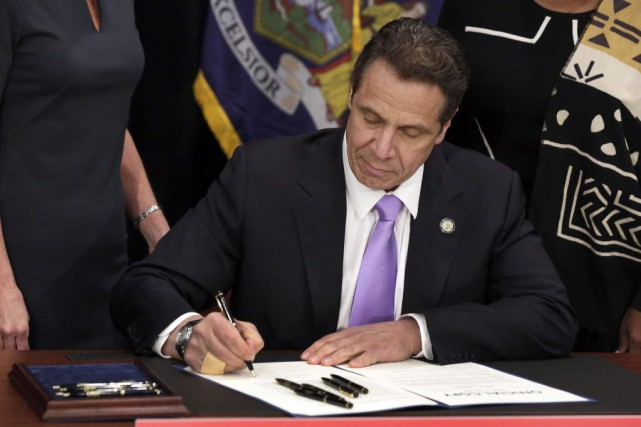 Andrew Cuomo, gouverneur de l'État de New York,... (PHOTO REUTERS)