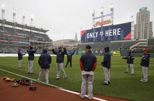 Les joueurs des Red Sox se réchauffent avant... (PHOTO AP)