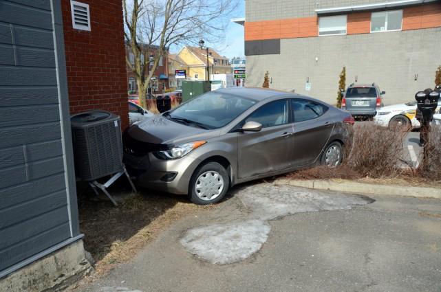Un octogénaire a perdu la maîtrise de son véhicule et a heurté de plein fouet... (Photo collaboration spéciale Éric Beaupré)