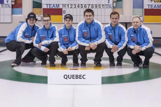 Samuel Plourde (deuxième à partir de la gauche)...