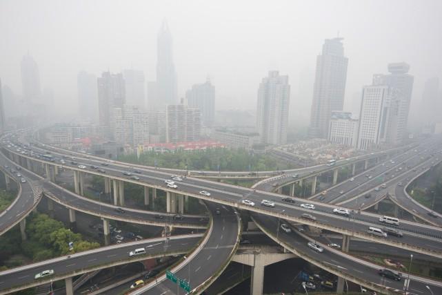 La lutte contre la pollution atmosphérique dans les... (PHOTOJOHANNES EISELE, ARCHIVES AFP)