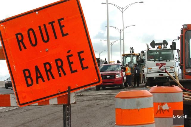 La Ville de Québec a lancé une «opération massive d'asphaltage» pour contrer... (Photothèque Le Soleil, Jean-Marie Villeneuve)
