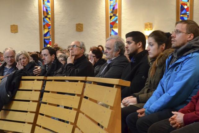 Les proches des victimes de l'écrasement aux Îles-de-la-Madeleine... (Collaboration spéciale Johanne Fournier)
